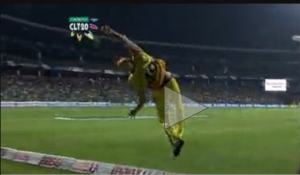 Athletic boundary fielding by Brendon McCullum for Chennai Super Kings, T20